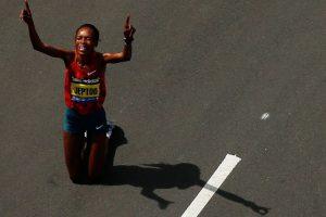 La keniana Rita Jeptoo ganó la prueba femenina del Maratón de Boston Foto:AFP. Imagen Por: