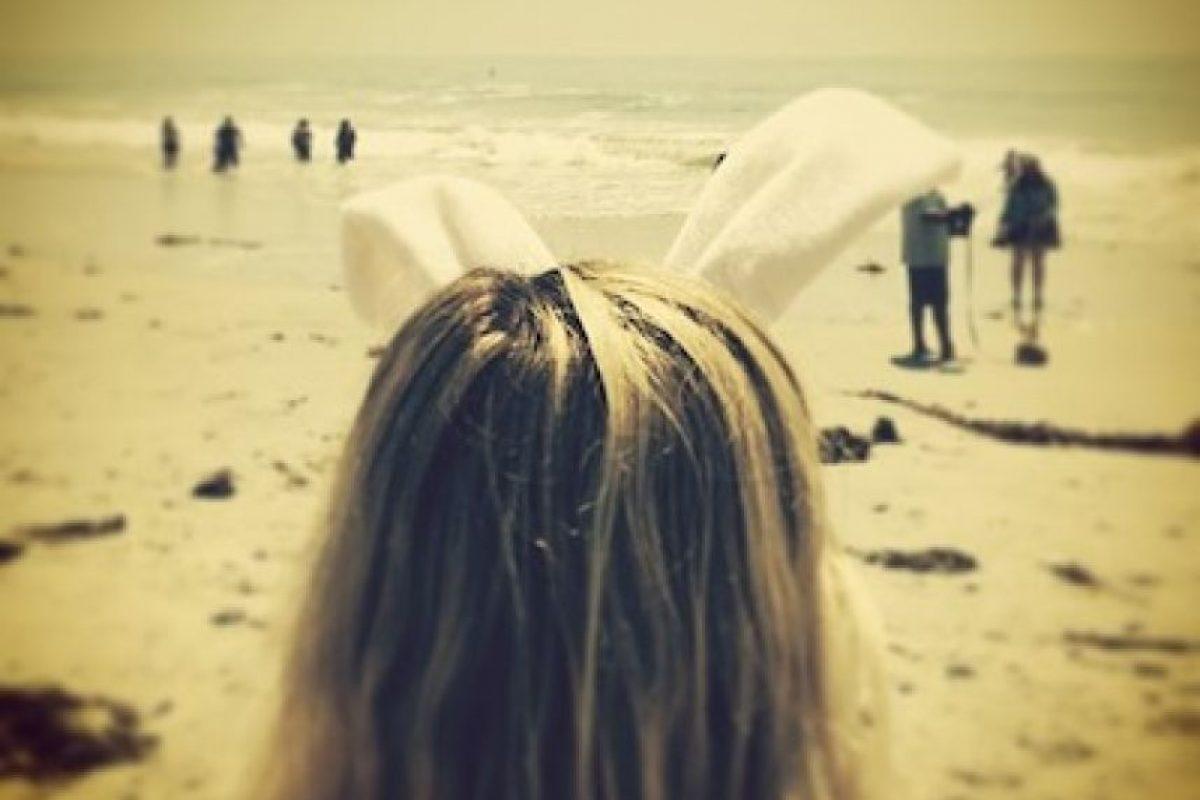Así mostró su celebración de la Pascua la cantante, con unas orejas que recuerdan al conejo de Pascua Foto:Instagram. Imagen Por: