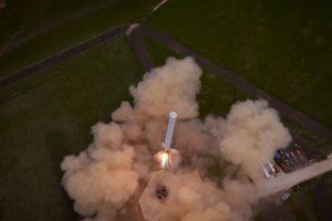 Se trata de la primera prueba de despegue del cohete Falcon 9 de la compañía Space X Foto:Video Captura. Imagen Por:
