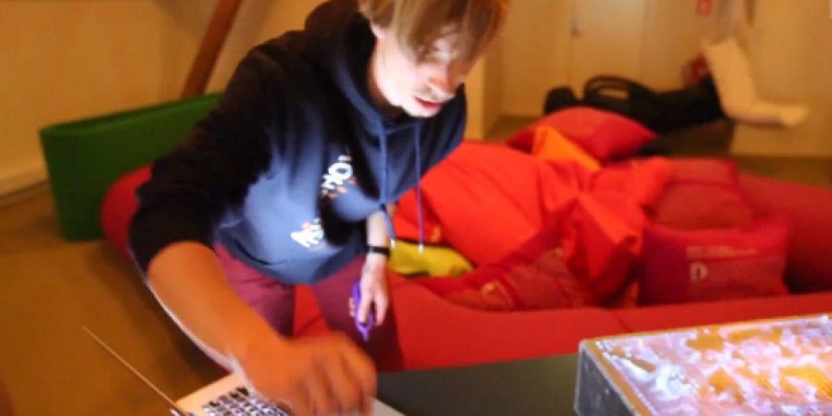 Video: Crean impresionantes efectos visuales usando fuego y música