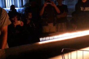 El peligroso espectáculo ha sido utilizado incluso para amenizar fiestas Foto:Video Captura. Imagen Por: