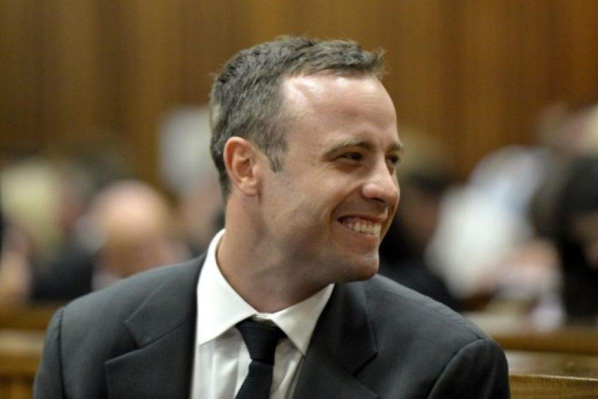 Durante el juicio logró esbozar este tipo de sonrisas Foto:AFP. Imagen Por: