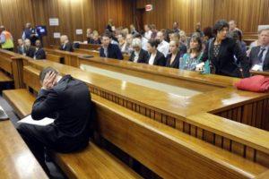 Pistorius nos ofreció esta reacción en los primeros días del juicio Foto:AFP. Imagen Por: