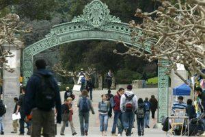 El campus con más asiáticos es el de Irvine Foto:Getty. Imagen Por: