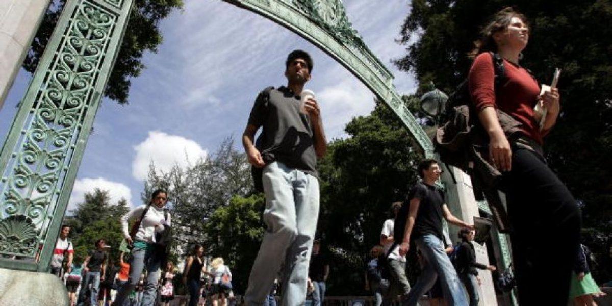 Ingresan más latinos que estadounidenses a la Universidad de California