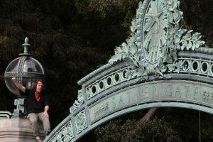 En Los Ángeles ingresaron dos mil 33 latinos Foto:Getty. Imagen Por: