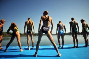 3.- Nadar. Una hora de natación permite quemar 590 calorías. Foto:Getty Images. Imagen Por:
