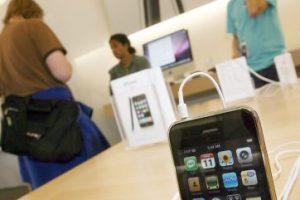 iPhone 3G (2008) Foto:getty images. Imagen Por: