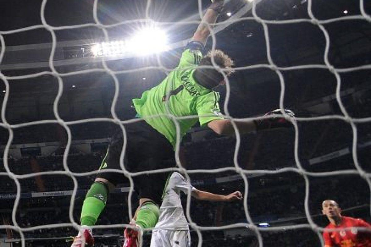 Los últimos dos partidos de grupo fueron tranquilos para Cristiano Ronaldo y compañía. Mientras al Galatasaray lo derrotaron por 4-1 en el Bernabéu (27 de noviembre, foto), cerraron su participación en esa fase venciendo al FC Copenhagen por 2-0 en Dinamarca (10 de diciembre). Foto:Getty Images. Imagen Por: