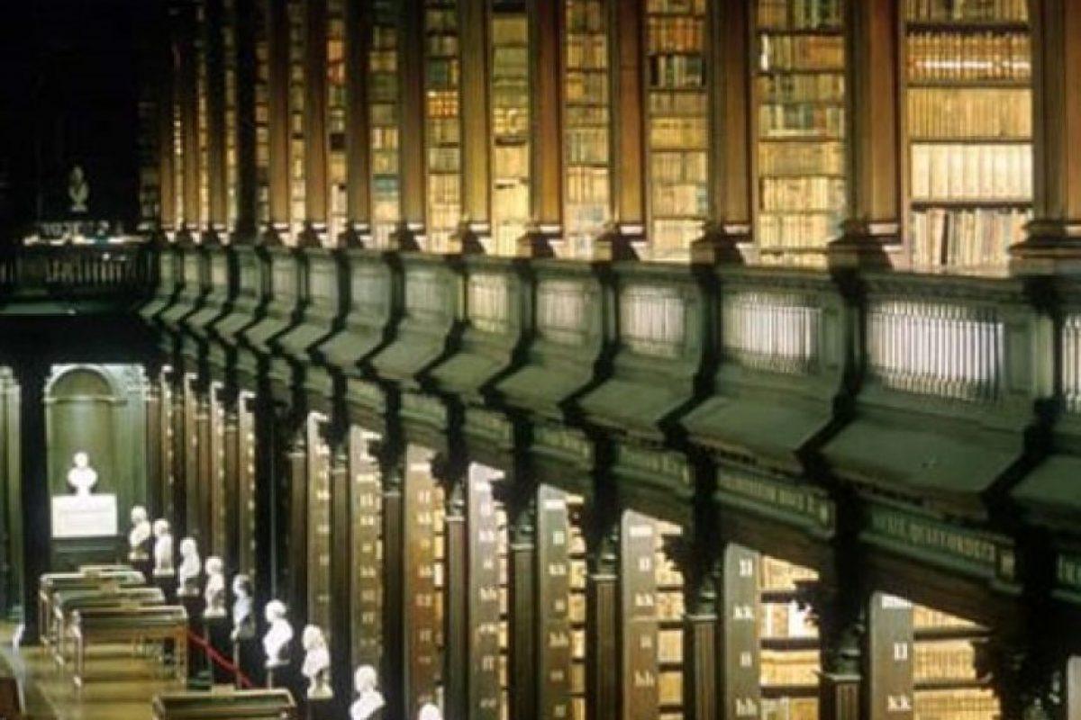 Biblioteca universitaria de Trinidad, AKA, el Espacio Largo – Dublín Irlanda Foto:Loquenosabías.com. Imagen Por: