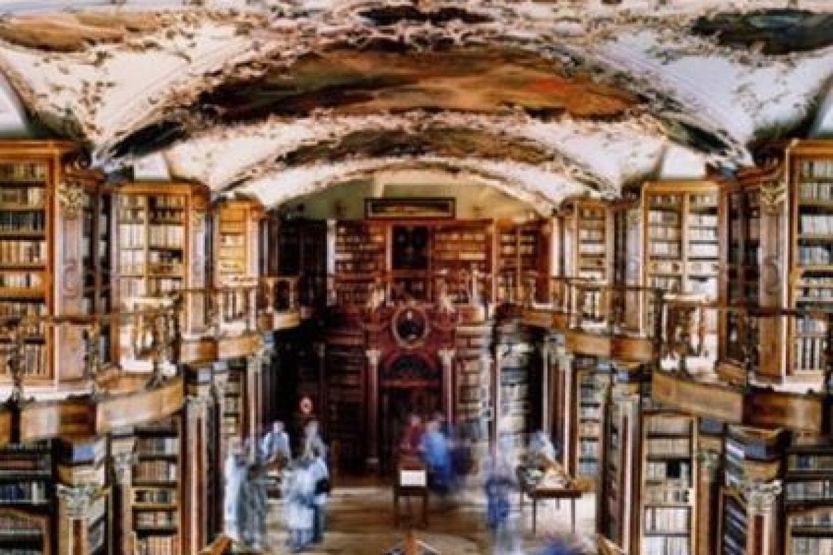 Biblioteca de Abadía San Gallen – Suiza Foto:Loquenosabías.com. Imagen Por:
