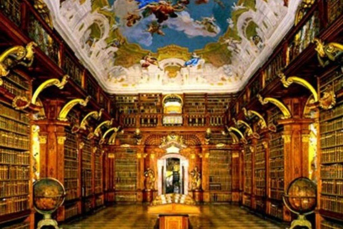 Biblioteca de Monasterio Melk – Austria Foto:Loquenosabías.com. Imagen Por: