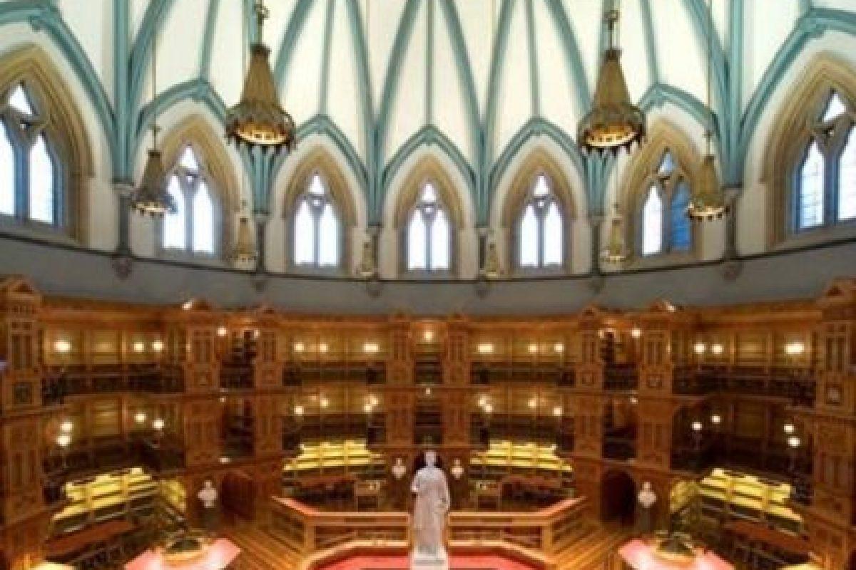 Biblioteca del Parlamento – Canadá Foto:Loquenosabías.com. Imagen Por: