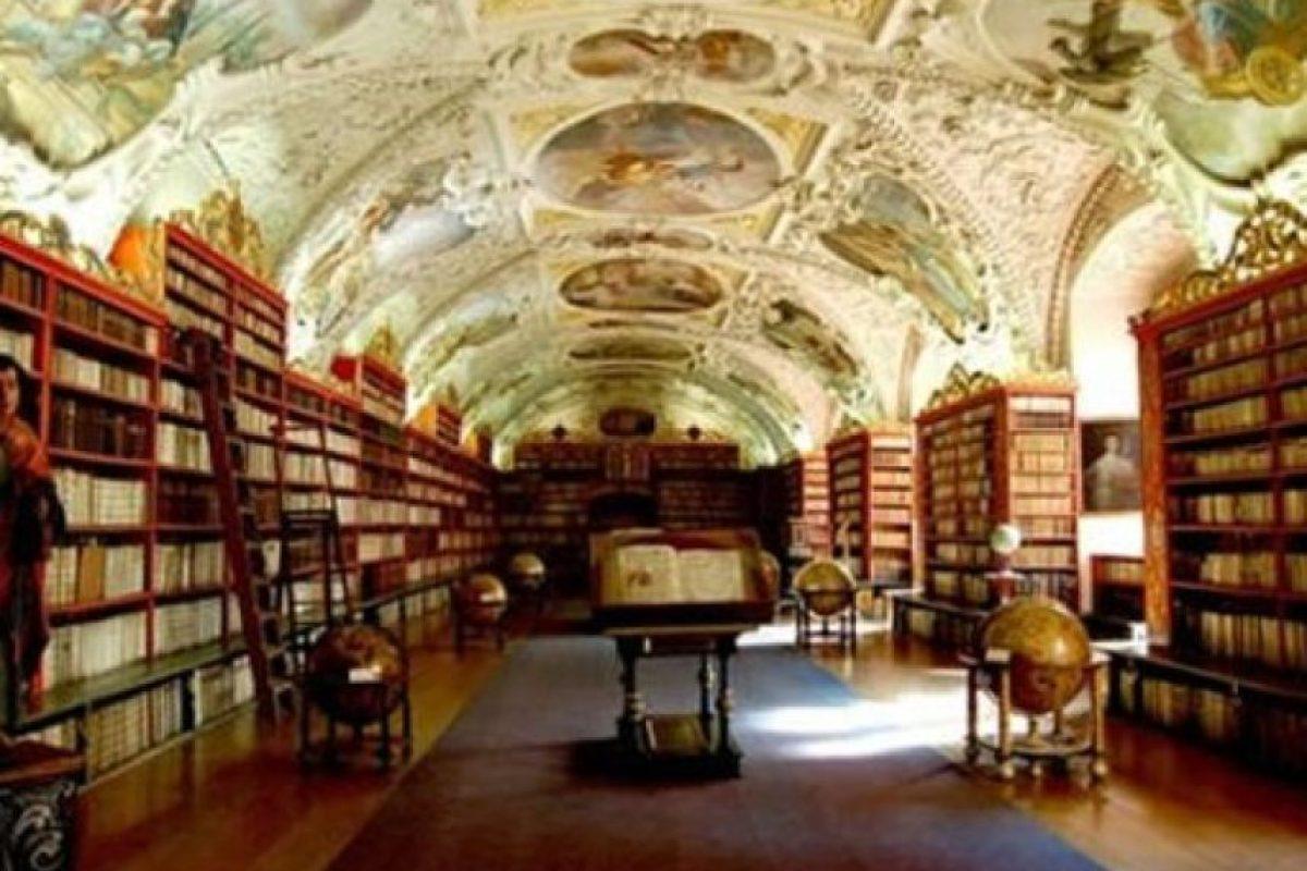 Biblioteca Teológica, Strahov Monasterio – República Checa Foto:Loquenosabías.com. Imagen Por: