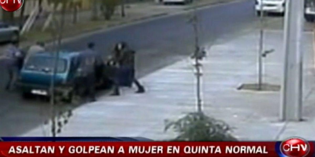Brutal golpiza a mujer que asaltaron en Quinta Normal