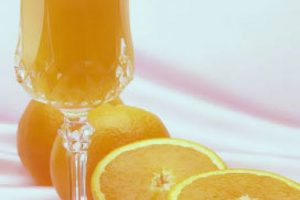 4. Hielos de vino tinto. Prueben su bebida favorita acompañada de hielos de vino tinto.. Imagen Por: