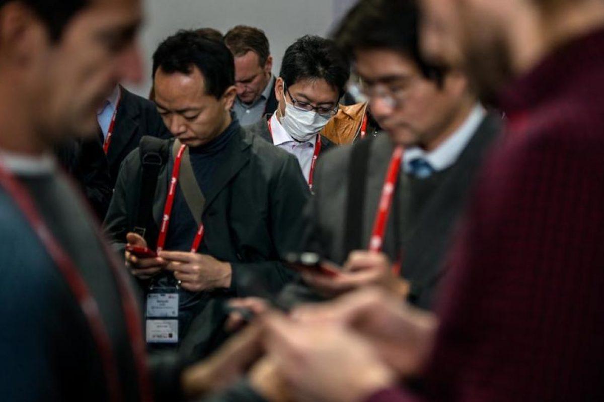 La comunicación en el siglo XXI es mediante mensajería móvil. Foto:getty images. Imagen Por: