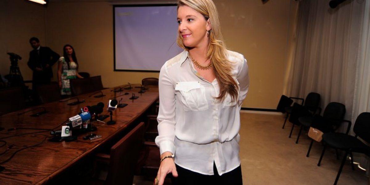[Fotos] Un voto asegurado: Marcela Sabat celebra proyecto de cuota femenina en el Congreso