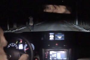 Puro humor negro en este comercial ruso de la marca de autos Subaru Foto:Captura. Imagen Por: