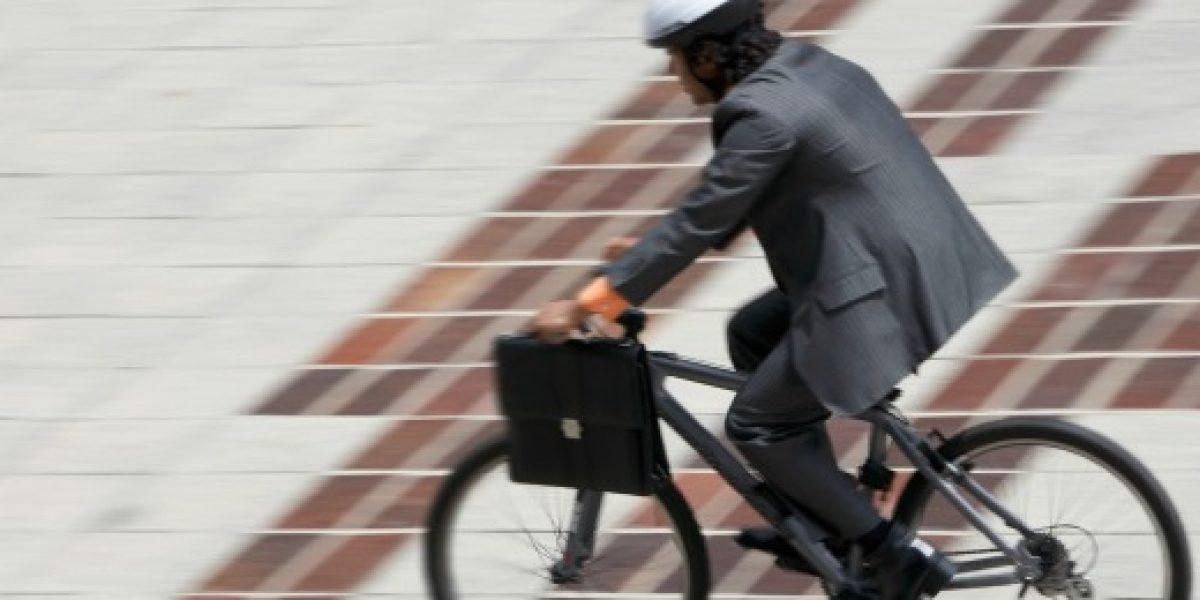 ¿En bicicleta al trabajo? Consejos para no llegar