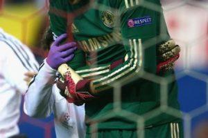 El empate le costó caro al Chelsea. Petr Cech salió lesionado. Foto:Getty Images. Imagen Por: