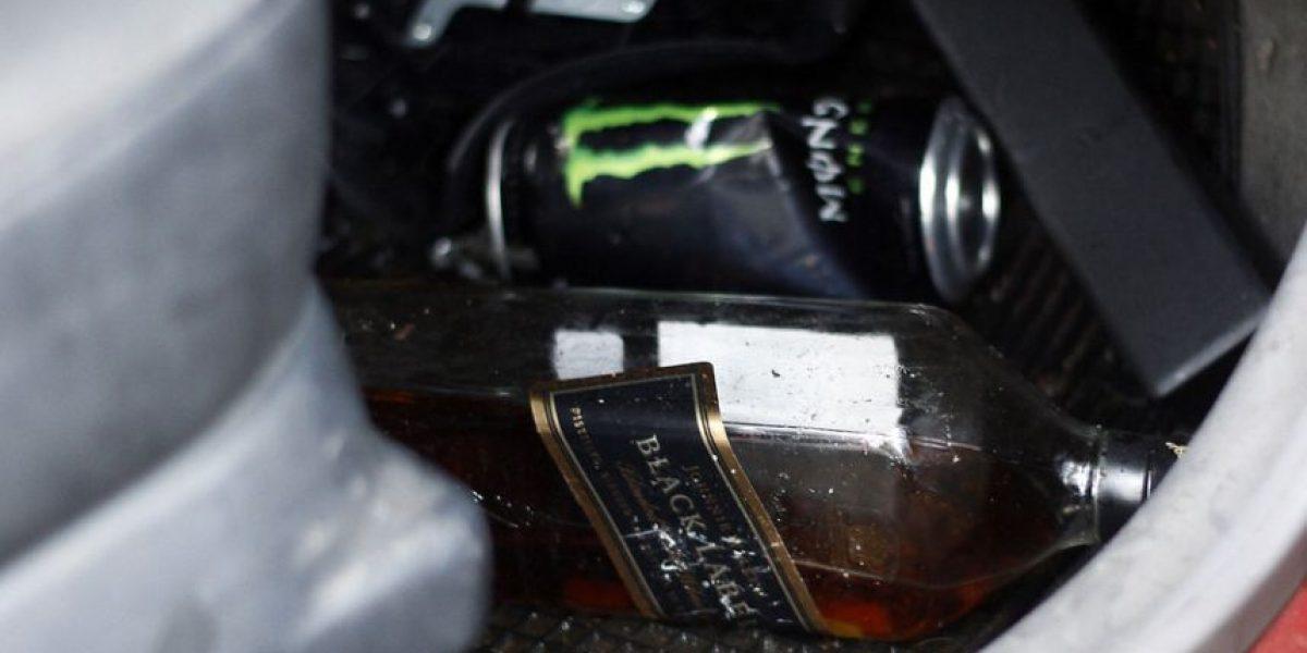 [FOTOS] Una botella de whisky llevaba auto que se incrustó contra edificio en Kennedy