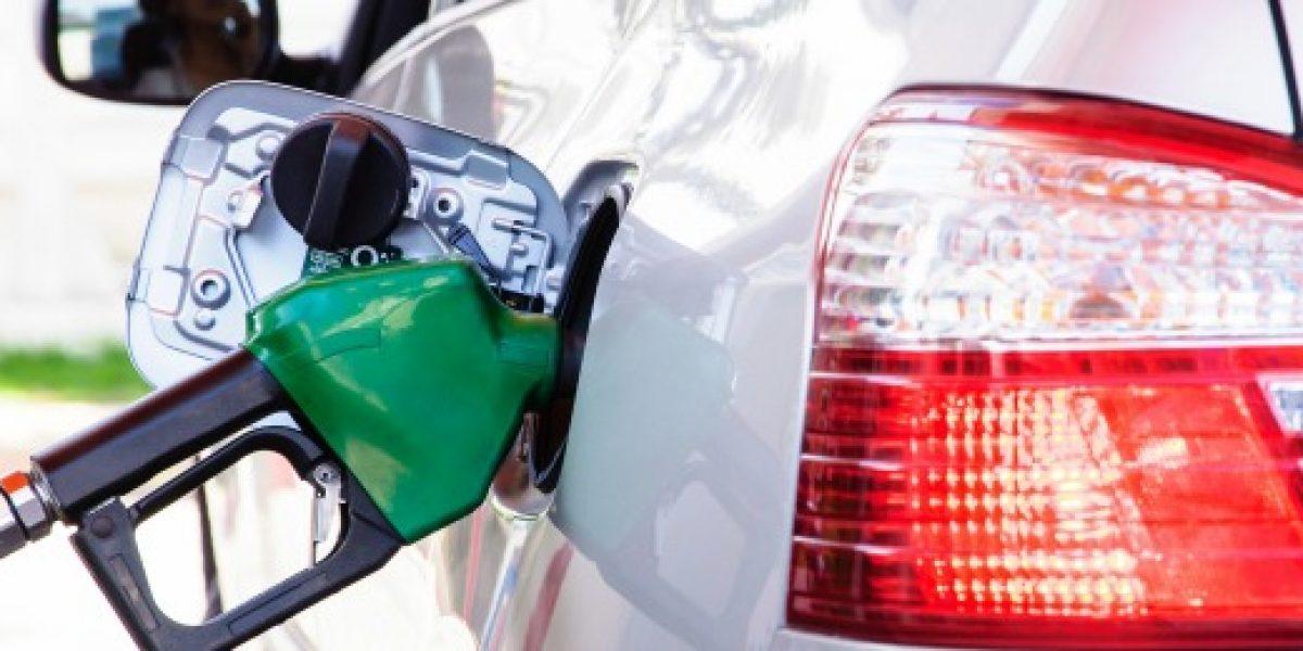 Econsult: precio de las bencinas volvería a subir fuertemente este jueves
