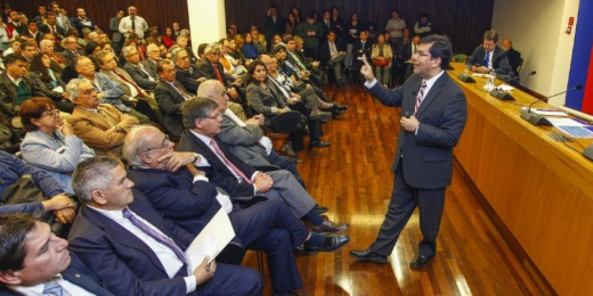 Arenas a críticos de Reforma Tributaria: