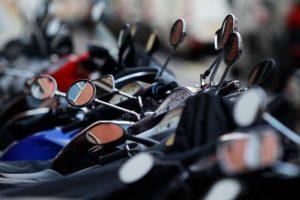 No se debe llevar más de un pasajero Foto:Getty. Imagen Por: