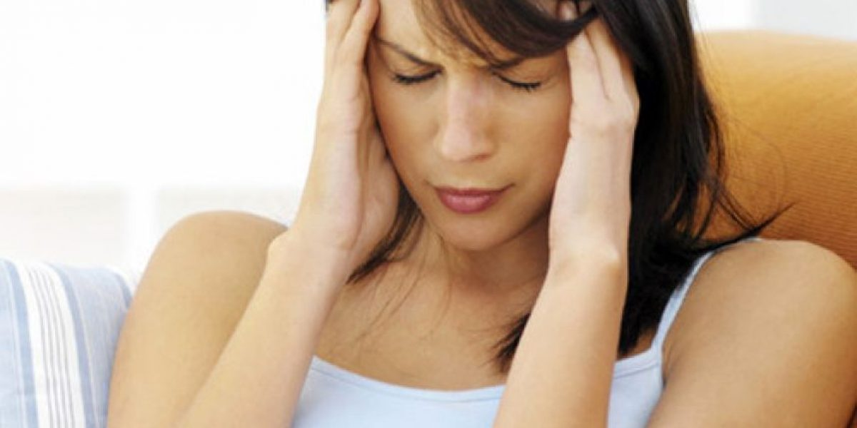 ¡No es mentira! El dolor de cabeza sí disminuye la libido en las mujeres