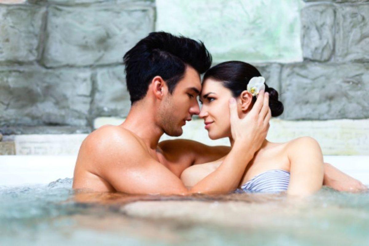 4.- Después de una relación sexual satisfactoria, el cerebro produce prolactina, una hormona que estimula la producción de nuevas neuronas en el centro del olfato del cerebro. Foto:Getty images. Imagen Por:
