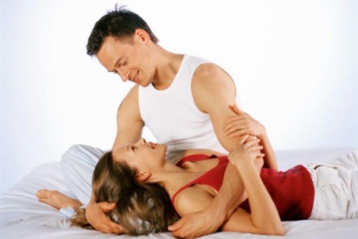 1.- Mejora la postura. Una buena actividad sexual tonifica los músculos abdominales y el trasero, estos se encargan de sostener la parte baja de la espalda, por ello si los ejercitamos frecuentemente obtendremos una mejor postura. Foto:Getty images. Imagen Por: