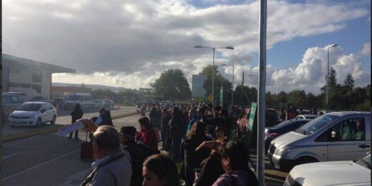 Incendio obliga a evacuar el aeropuerto de Valdivia