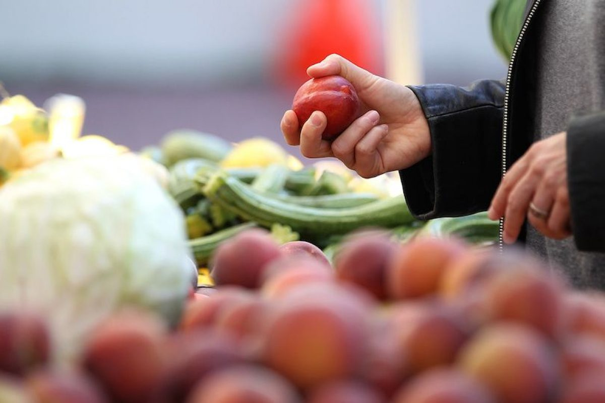 Ayudan a mantener un corazón sano- Los duraznos tienen fibra, vitamina C y potasio, que mejoran el funcionamiento del corazón. También sirven para bajar el colesterol en la sangre. Foto:Getty Images. Imagen Por: