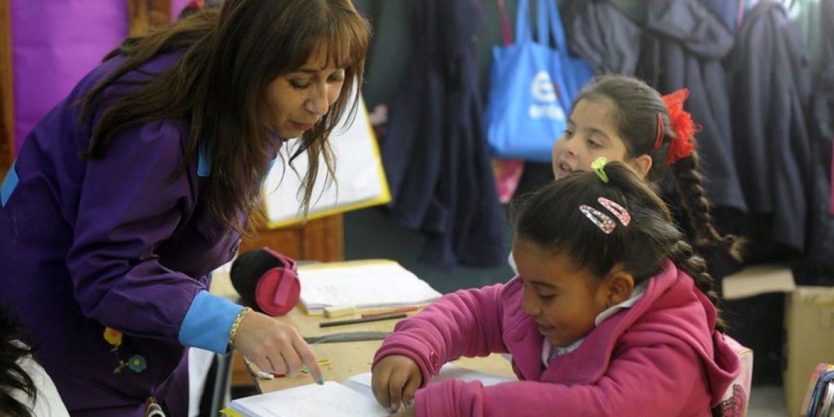 Seis colegios de Valparaíso reanudaron sus clases este lunes después del incendio
