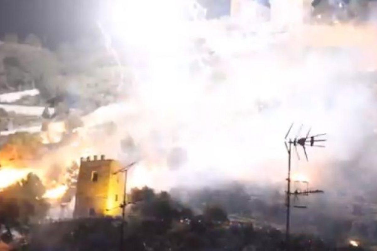 El lanzamiento de los fuegos artificiales fue autorizado por el Ayuntamiento de Cullera. Foto:Youtube. Imagen Por: