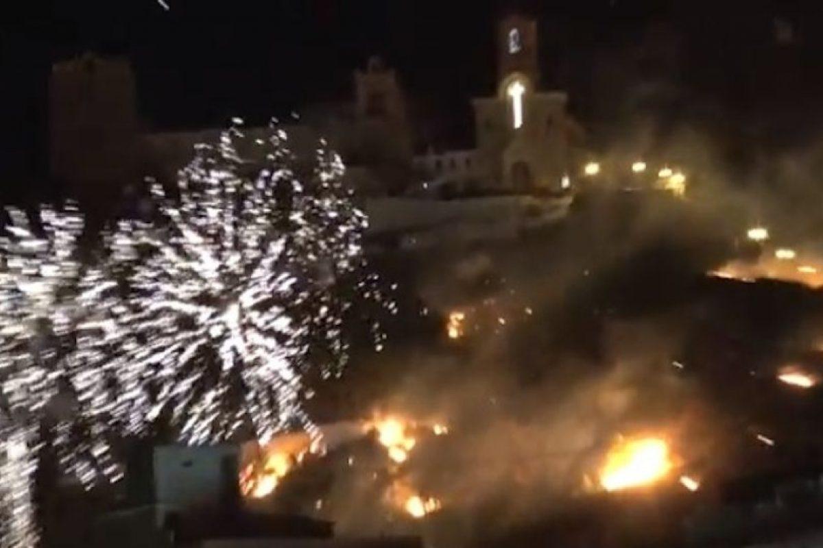 Varios usuarios de Youtube captaron el momento del incendio y subieron sus videos. Foto:Youtube. Imagen Por: