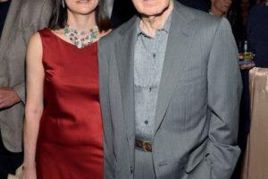 Mia Farrow asegura que Allen la engañó con su hija adoptiva. Cuando ella lo descubrió pidió el divorcio. Él respondió casándose con su hijastra. Foto:Getty. Imagen Por: