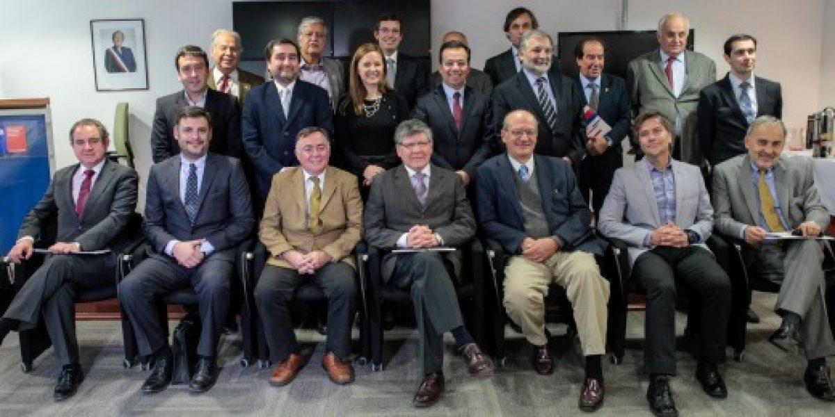 Ministro de Economía se reúne con consejo consultivo de Pymes y anuncia cuatro mesas de trabajo