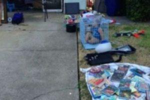 Un niño encerrado en el jardín Foto:Internet. Imagen Por:
