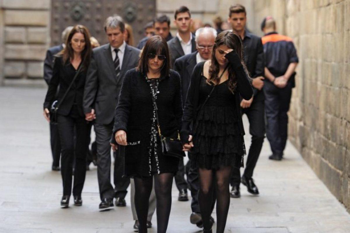 La esposa e hija de Tito Vilanova. Foto:AFP. Imagen Por:
