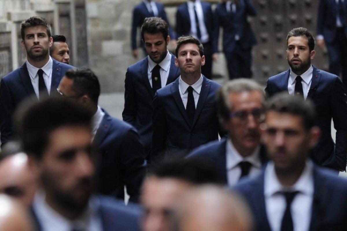 El equipo completo del Barcelona llega a la Catedral de la Ciudad Condal. Foto:AFP. Imagen Por: