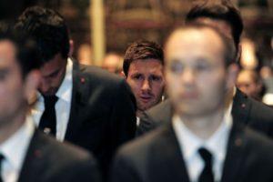 Messi al interior de la Catedral. Foto:AFP. Imagen Por: