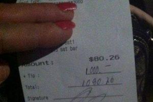 Aquí la prueba de la propina que recibió Foto:Facebook Christina Summitt. Imagen Por: