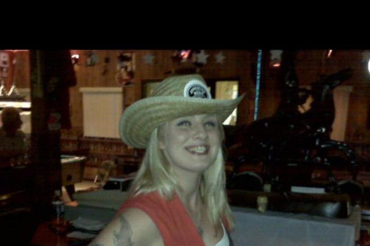 La mesera Christina trabajando Foto:Facebook Christina Summitt. Imagen Por: