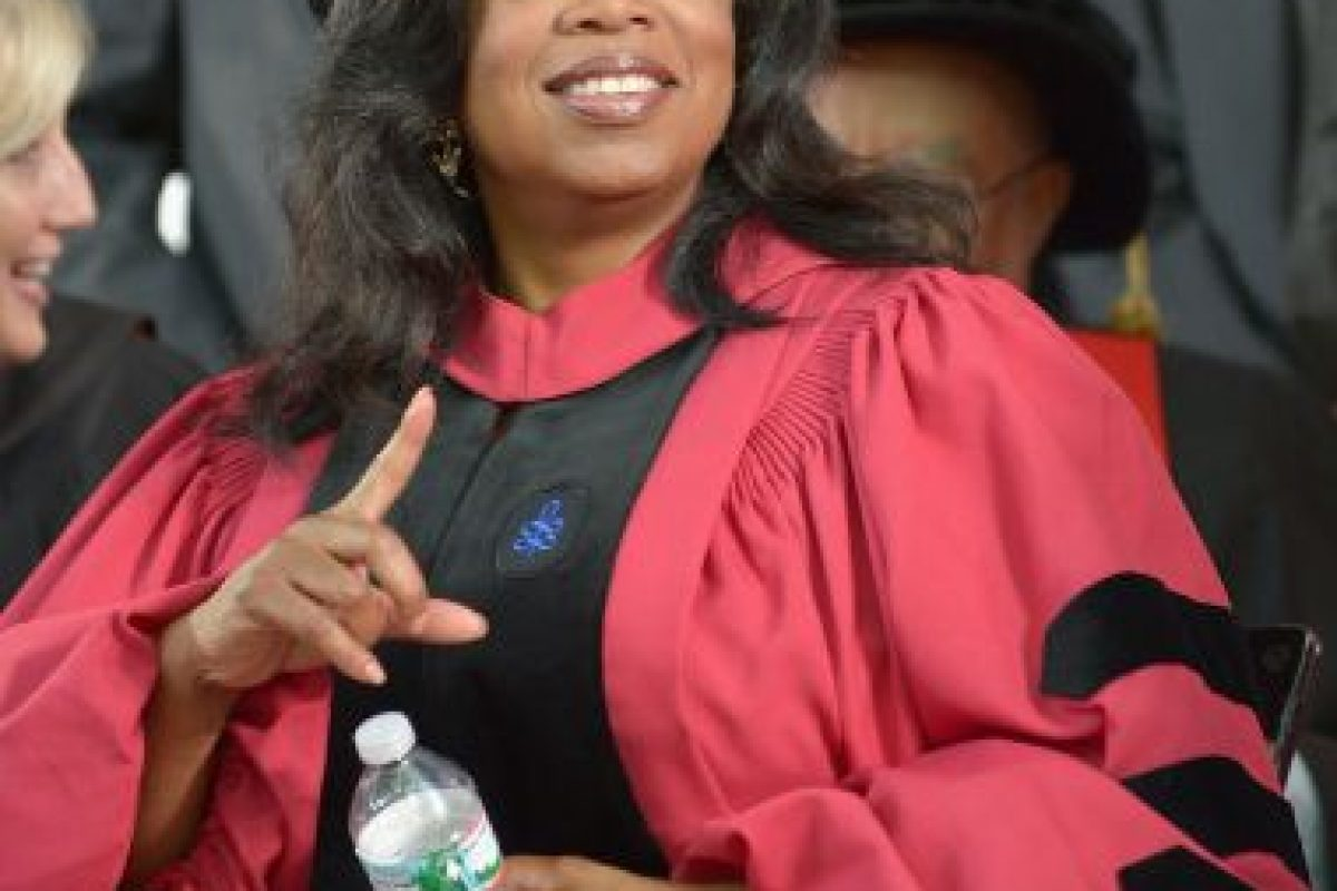 En 2012 Oprah recibió un doctorado honorario por parte de la Universidad de Harvard. Foto: getty images. Imagen Por: