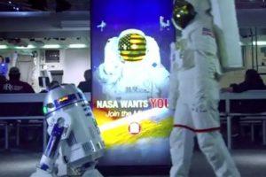 """¿Cuál es? Entregar un mensaje para todos los fans de """"Star Wars"""". Foto:Youtube. Imagen Por:"""
