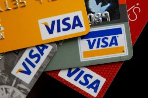 En los sitios de películas pirata puede haber fraudes a tarjetas de crédito. Foto:Getty Images. Imagen Por: