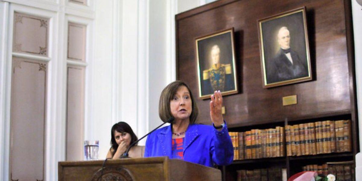 Ex senadora Soledad Alvear se integra a Directorio de Canal 13