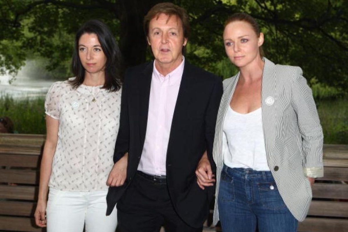 Paul McCartney junto a sus hijas Mary y Stella Foto:Getty Images. Imagen Por: